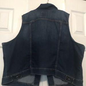 Old Navy Jackets & Coats - Old Navy sleeveless blue jean jacket